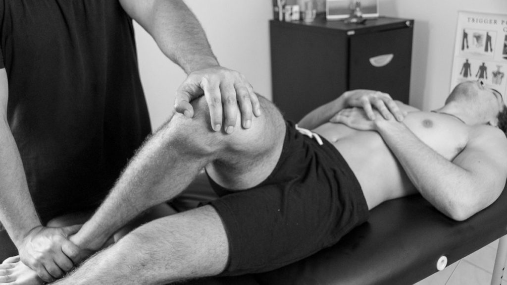Gold Coast Sports Massage & Remedial Massage Therapist working on a client (17)